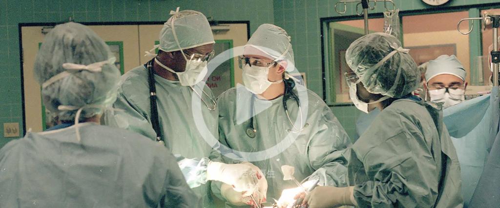 【ER 緊急救命室 シーズン2】は全22話のエピソードのさわりを少し紹介!