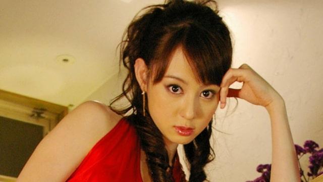 【秋山莉奈<あきやまりな>接近視線】の見所・ストーリー(あらすじ)・ネタバレ・出演グラビアアイドルの過去作品は?