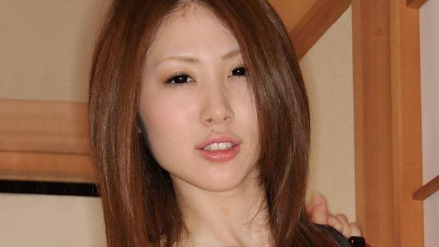 【浜松ここ<はままつここ>立てば赤紐、座ればバイブ、歩く姿にケツ穴バイブ】の見所・ストーリー(あらすじ)・ネタバレ・出演セクシーアイドル女優イメージの過去作品は?